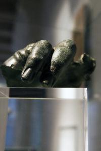 Main en bronze - Musée - Site du Fâ